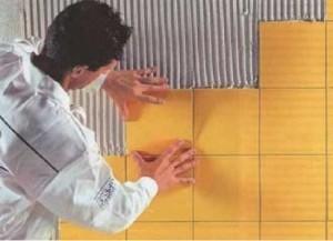 Что потребуется для поклейки плитки?