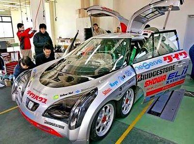 Самый быстрый электромобиль eliica опережает своё время