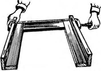 Столик-полускладень
